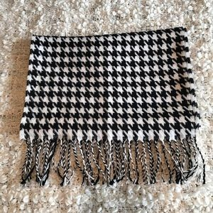 Softer than Cashmere Houndstooth scarf